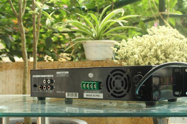 Amply DB LP-480F thiết kế độc đáo