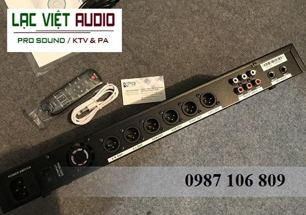 Mặt sau Vang số KV Audio K1000II