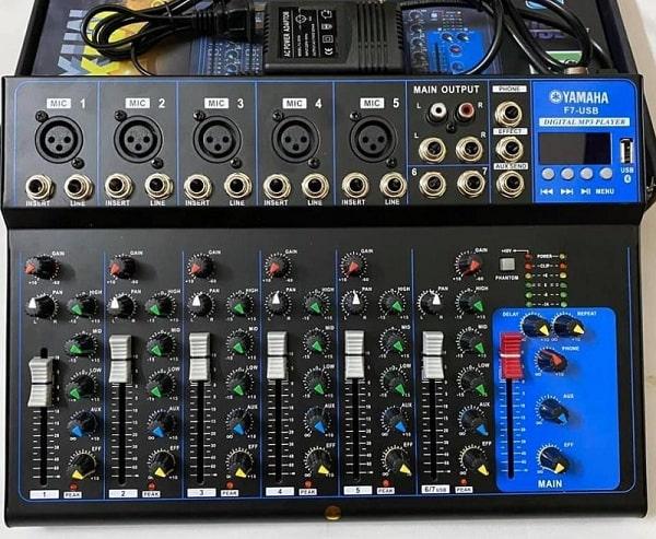 Mixer là một trong những thiết bị xử lý tín hiệu thường được sử dụng