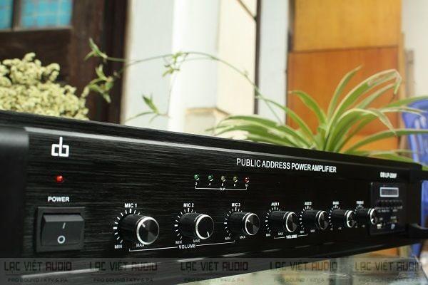 Amply truyền thanh thường không có các hiệu ứng âm sắc như dòng amply karaoke